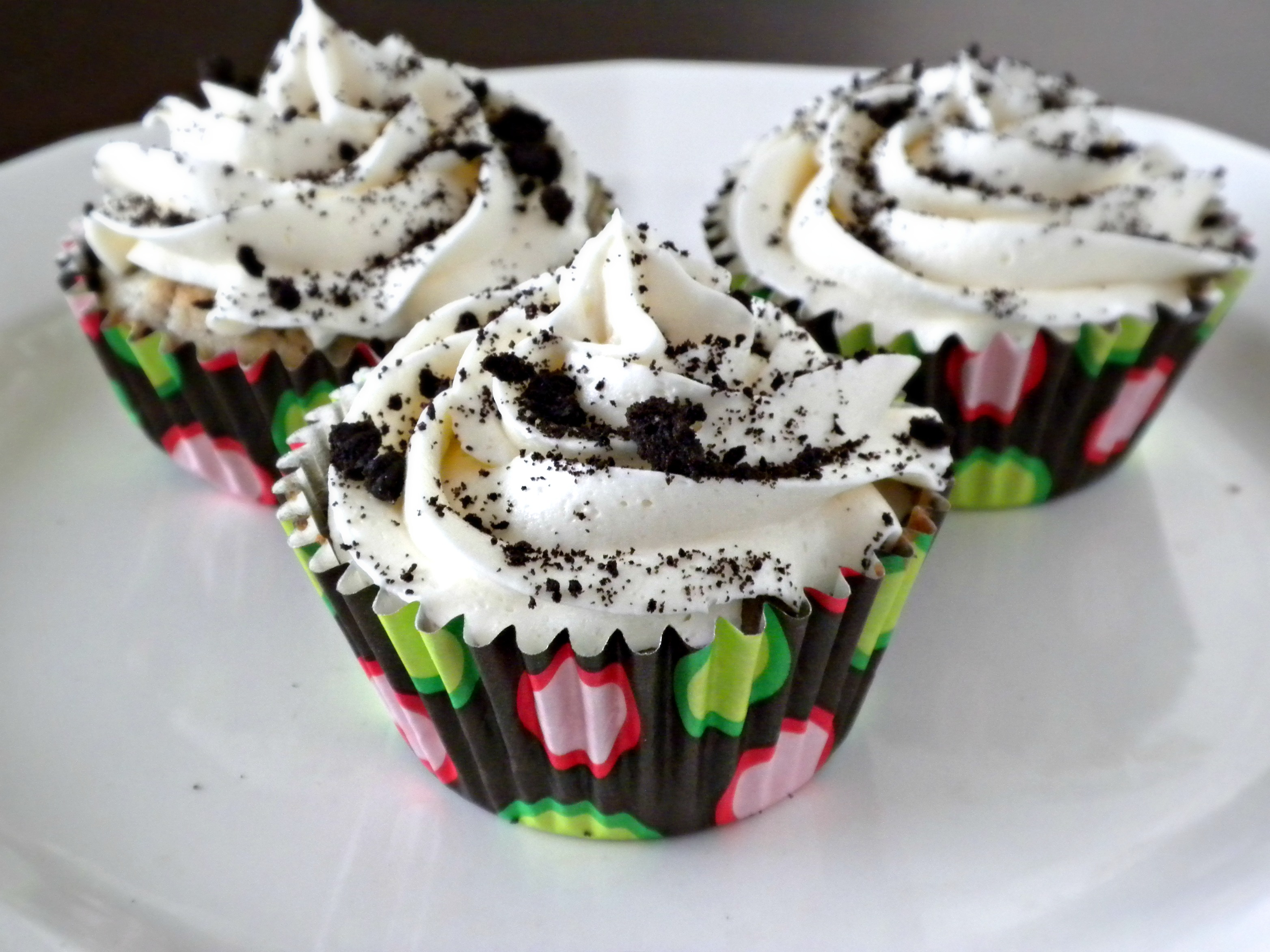 Cookies & Creme Seduction Cupcakes - Forks In The Road