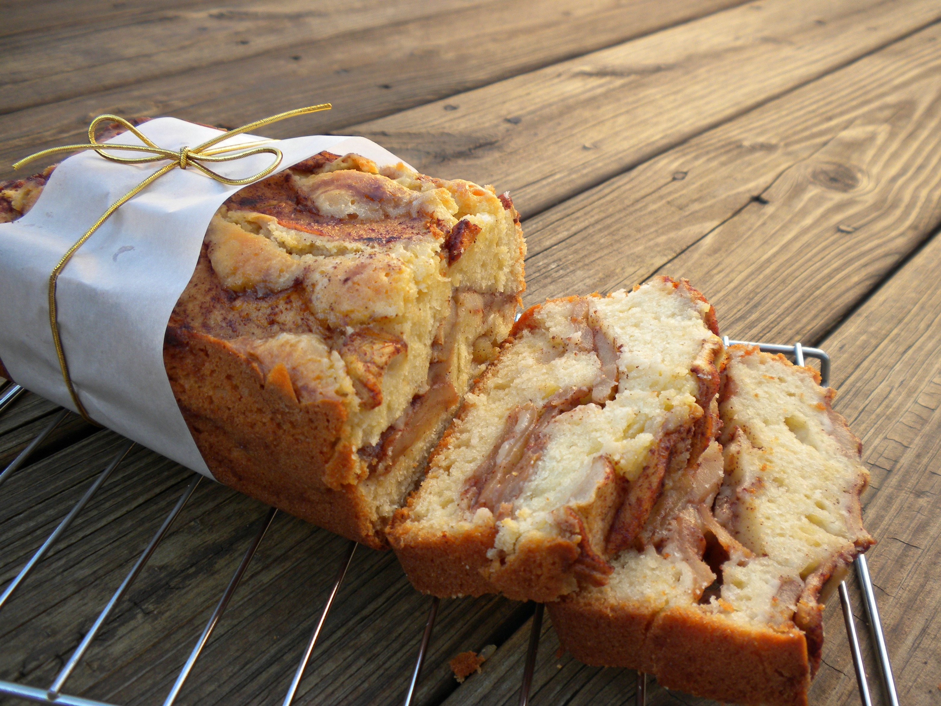 Dutch Apple Loaf Cake Recipe